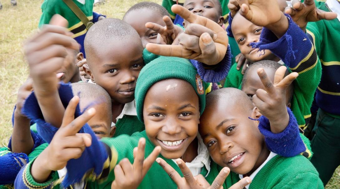 元気いっぱいのタンザニアの子供たち